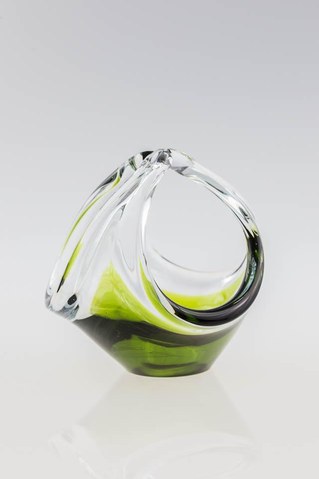 szkło Murano – ręcznie formowany szklany koszyczek Murano